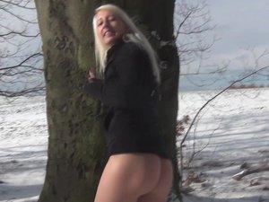 My Dirty Hobby - Deutsche Teens lieben Outdoor Wintersex