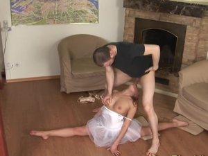 Teen Ballerina gets kamasutra fucked