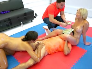 MoneyTalks - Oil wrestling