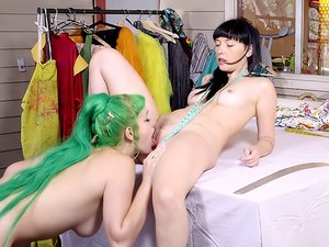 Emerald & Natalie - Fashion Junkies pt2