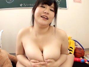 KINKY BABE YATSUKA MIKOTO ENJOYS HOT THREESOME