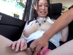 Honey pleasures her horny self with ibrator