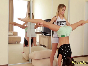 hot teen stretching a real flexidoll