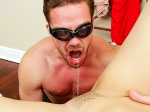 Pervs On Patrol – Spying Roomie Loves Squirt