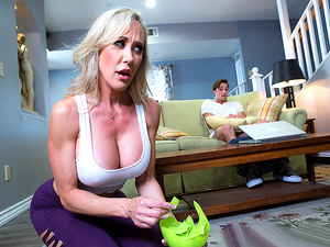Brazzers – Making A Mess On Stepmom