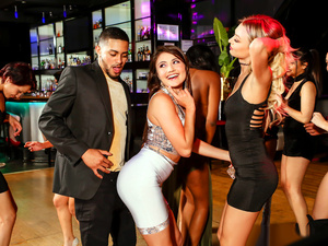 Digital Playground – Girls Go Clubbing
