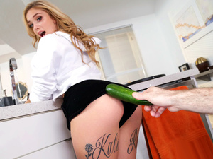 I Know That Girl – Kali Roses Has Dick for Dinner