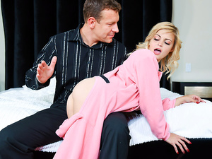 Exxxtra small – Petite Plays Hooky