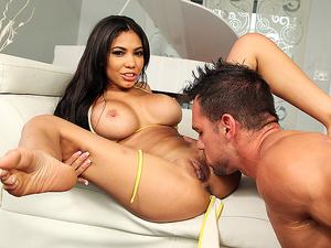 8th Street Latinas - Sexy Ass Shay