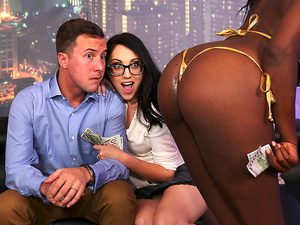 Brazzers – Strip Club Surprise
