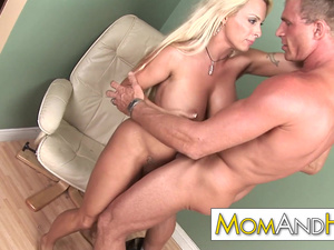 Sex addict MILF Holly Halston