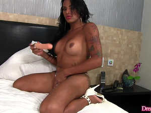 Aroused Tranny Alexia Rios Is Screwed in Her Ass by a Fucking Machine