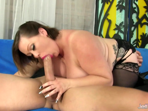 BBW Bunny De La Cruz Uses Her Big Tits and Fat Belly to Please a Dude