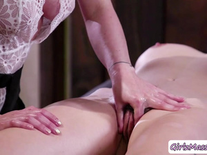 Hot Olive in a massage fuck with Serena