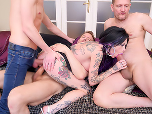 Gaping MILF: 3 Cocks, DP, Creampies!