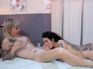 Tattooed patient banged by tranny doctor