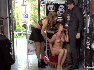 Spanish slave disgraced in public