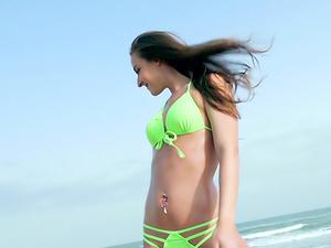 Beach Bum Babe