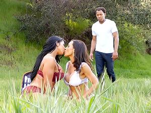 Lisa Ann's MILF/Interracial Threesome