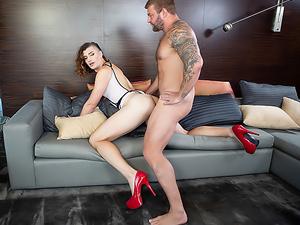 TS Model Allysa + Daddy-Dom: BJ & Anal