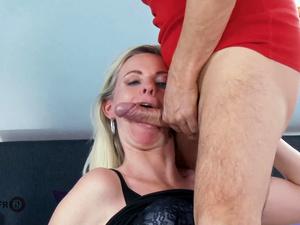 HITZEFREI German mature Dirty Tina has her ass fucked