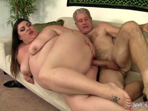 Seductive BBW Bella Bendz Gets Her Asshole Stretched by a Horny Geezer
