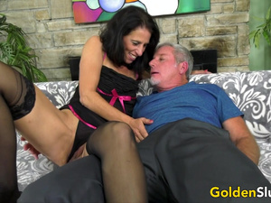 Mature Pornstar Keli Richards Has Passionate Sex with an Old Man