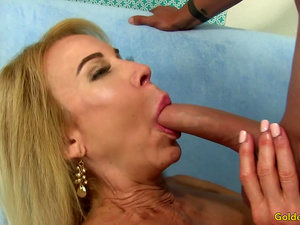 Dude Trades Oral Sex with GILF Erica Lauren Before Stuffing Her Pussy
