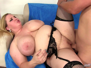 Flawless Fat Blonde Nikky Wilder Provides Her Man with Infinite Pleasure