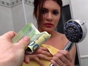 Lost babe cheats for cash