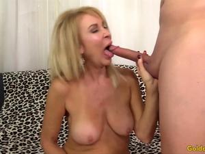 Golden Slut - Older Women Giving Their Oral Blessings Compilation