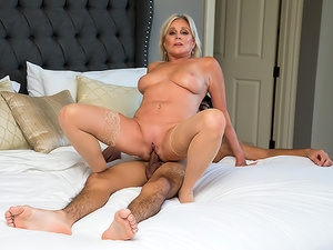 Sexy Cougar Payton Hall fucks young cock