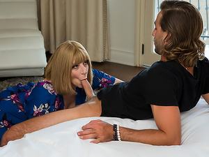 Hot MILF Sara Jay works her big sexy ass on some young cock