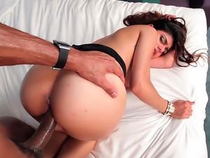 Mia Khalifa Means Business porn video