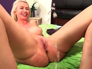 Gigi Allens Squirting Explosion