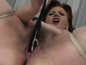 Chubby mature mama playing with her hairy pussy