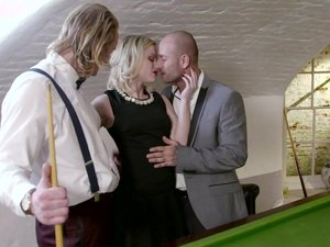 Swinging Sweetheart Ash Hollywood Has a Pussy Pounding Threeway