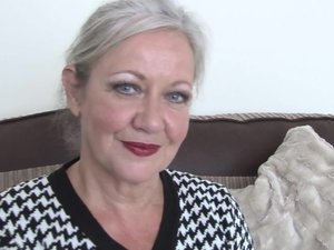 Mature British housewife shows she still got what it takes