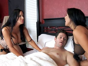 Valerie Kay, Sybil Stallone & Preston Parker in 2 Chicks Same Time