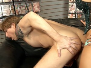 Tranny Glory Hole Surprise 02, Scene 02
