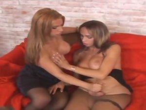 Leona and Taissa horny shemales on video