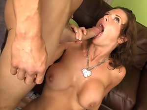 Ass Rimming Mommies 1